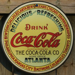 plaque coca cola atlanta...