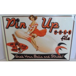 plaque pin up assise sur...
