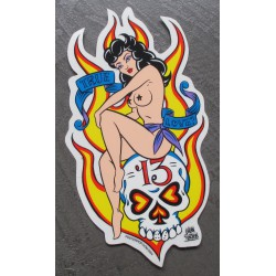 sticker pin up assises sur...