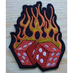 patch dé rouge à flammes...