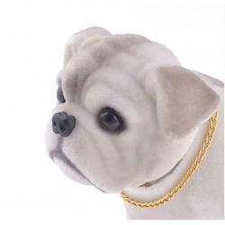 chien de plage arriere de voiture bulldog gris collector