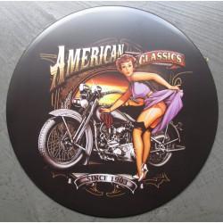 plaque pin up  robe violette moto americaine american classic tole ronde 30cm  deco us