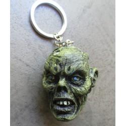 porte clé métal et resine tete de zombie verte  monstre kustom auto voiture americaine