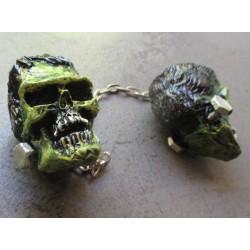 paire de crane frankenstein vert avec boulon  monstre en  resine  pour retroviseur