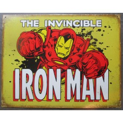 plaque super hero irn man en gros plan qui passe a travers un mur tole affiche
