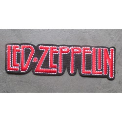 patch groupe hard rock le zeppelin inscription rouge 11.5x3 cm écusson  rectangulaire thermocollant pour veste blouson