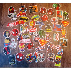 lot de 50 stickers super heros autocollant fond blanc 5 a 8cm ideéal deco pas  cher