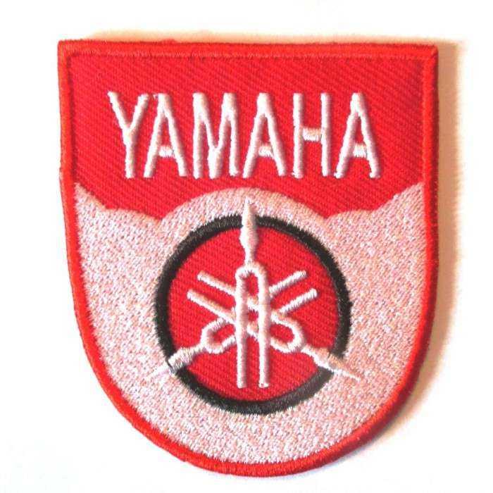 patch yamaha blason rouge blanc 6.3cm écusson veste blouson rock roll