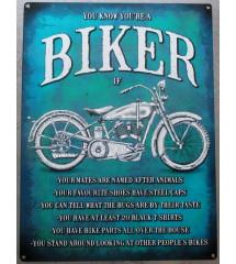 plaque biker sur fond bleu...