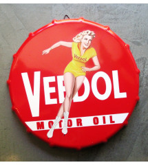 plaque capsule veedol motor oil , patineuse sexy pinup