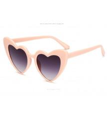 lunette de soleil pin up, coeur rose pale , verre noir
