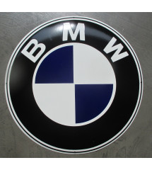 plaque bleu fonce et noir , logo bmw en email .