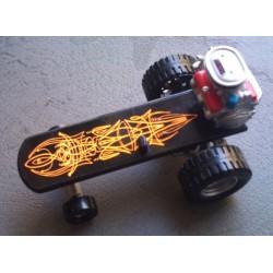 planche à roulette rat fink pinstripé orange moteur figurine