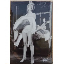 plaque marilyn jupe  qui se leve 60x40cm tole deco affiche