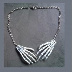 collier main squellette blanc pour pin up rockabilly gothic