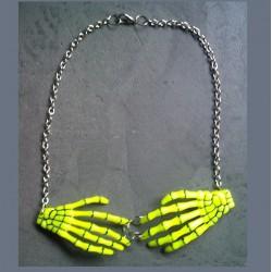 collier main squellette jaune pin up rockabilly gothic punk