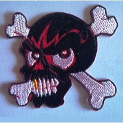 patch crane pirate noir  eclair rouge ecusson thermocollant