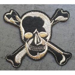 patch crane pirate noir et or doré tete de mort ecusson