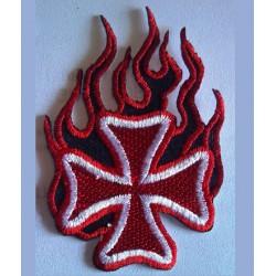 patch croix de malte flammes rouge ecusson rock roll biker