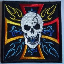 patch croix de malte et crane flamming multicolore ecusson