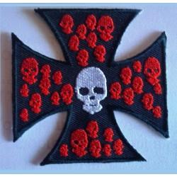 patch croix de malte noir petit crane rouge ecusson biker