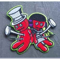 patch poupée vaudou avec clou ecusson woodoo rockabilly