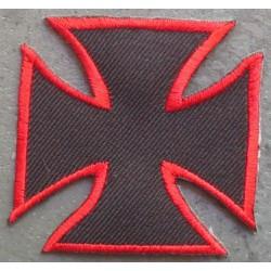 patch croix de malte noir avec le tour rouge ecusson biker