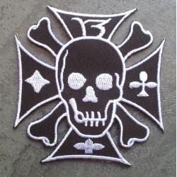 patch crane sur une croix de malte noir 13 ecusson rock roll