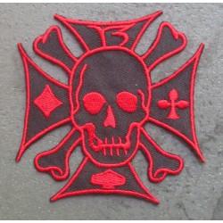 patch crane sur une croix de malte noir et rouge ecusson