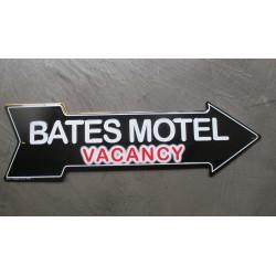 plaque flèche  bates motel vacancy serie tv tole déco metal affiche  bar diner loft