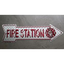 plaque fleche fire station plate imitation alus strié usa tole affiche